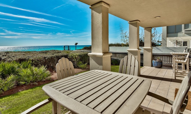 Get A Stunningly Relaxing Time At Sunset Cove Villas